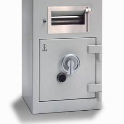 Deposit safes and -lockers