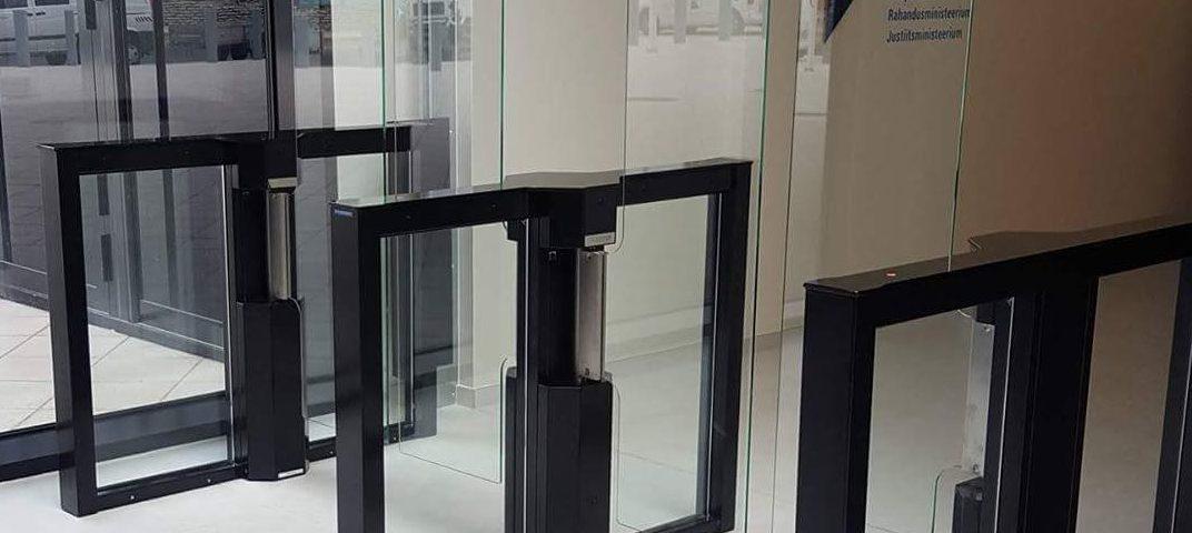 Klaasid 1800mm, turnikeevärav